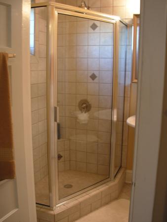 Shower Enclosures - Goodman Glass